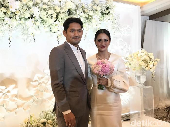 Ibnu Jamil dan Ririn Ekawati usai jalani proses ijab qabul pernikahan.