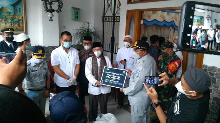 Jasa Raharja memberikan santunan ke keluarga pilot pesawat Sriwijaya Air SJ182, Kapten Afwan