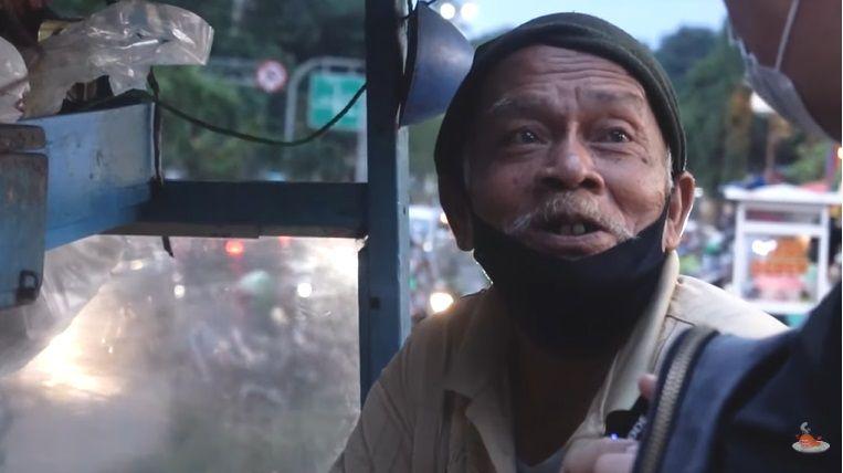 kakek 75 tahun penjual ketoprak di tanjung duren