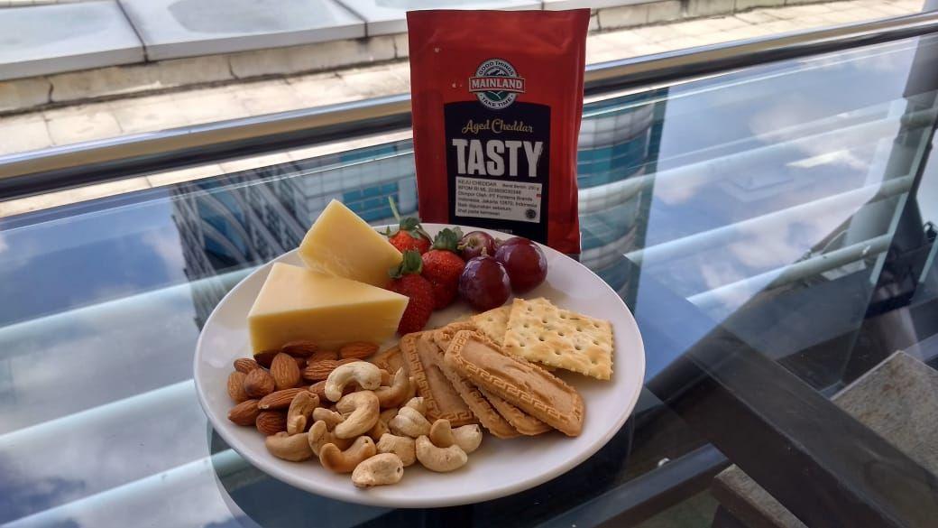 perbedaan natural cheese dan processed cheese