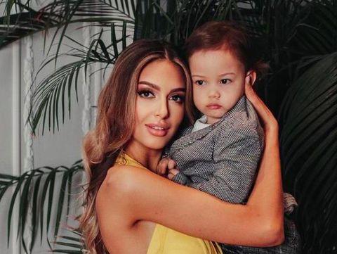 Oksana Voevodina dan anak