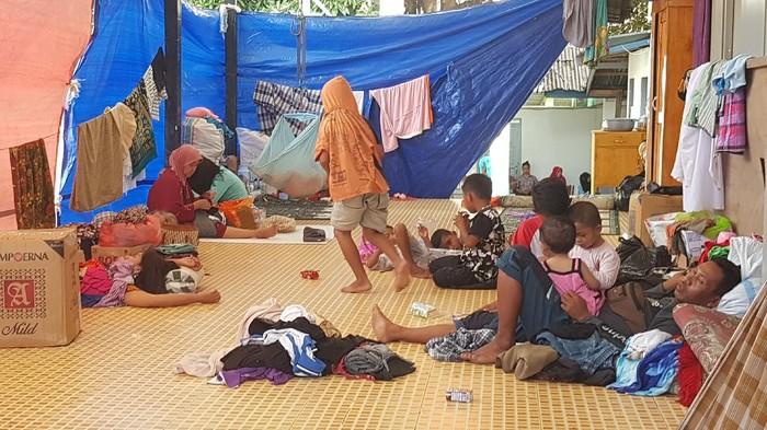 Para pengungsi korban gempa Sulbar (Abdy Febriady/detikcom)