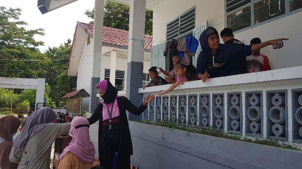 Suasana para pengungsi korban gempa Sulbar (Abdy Febriady/detikcom0