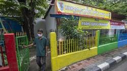 Sebuah kawasan di Johar Baru, Jakarta, dijadikan sebagai Kampung Tangguh COVID-19. Seperti apa penampakannya? Yuk, lihat.