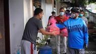 Polisi Bojonegoro Bersepeda Bersama Sambil Bagikan Paket Imun