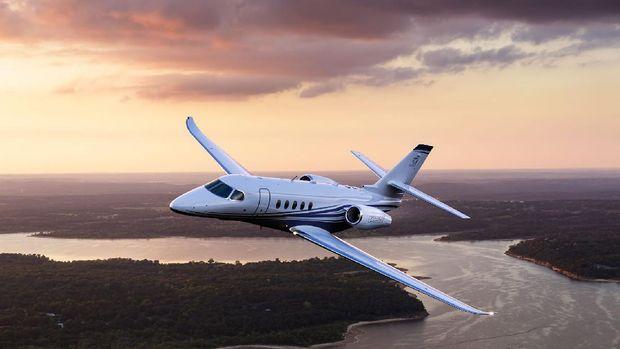 Private jet Cessna Citation Latitude