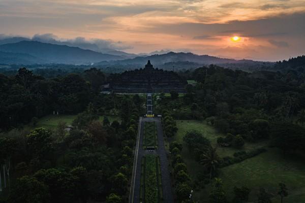 Candi Borobudur berada di Magelang, Jawa Tengah, merupakan situs warisan dunia yang diakui UNESCO pada 1991. (Getty Images/Ulet Ifansasti)