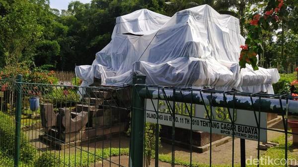 Teknisi Konservasi Balai Pelestarian Cagar Budaya (BPCB) Provinsi Jawa Tengah, Mantoro mengatakan, dari kantor BPBD Provinsi Jawa Tengah memberikan arahan untuk menutup candi-candi yang berdekatan dengan Gunung Merapi. Candi tersebut antara lain di daerah Boyolali yaitu Candi Sari (Cepogo), Petirtaan Cabean Kunti (Cepogo), kemudian daerah Magelang yang ditutup Candi Asu dan Candi Pendem.