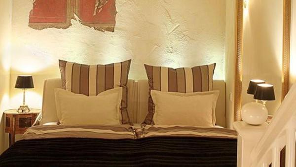 Sebagian besar tamu yang datang ke hotel itu merupakan pasangan yang tengah berbulan madu atau merayakan hari jadi seperti diungkapkan pemilik hotelStefanie Semmelmann (dok EhHaeusl)