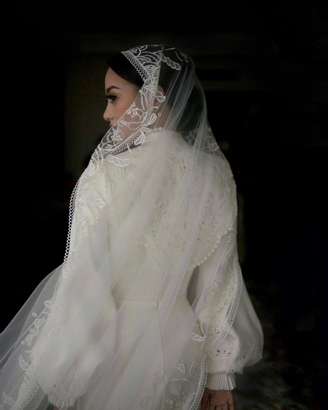 Gaun Pengantin Ririn Ekawati
