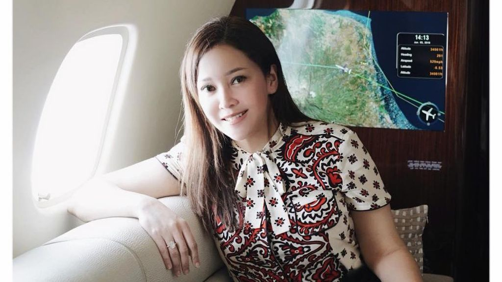 Adu Gaya 8 Artis Indonesia saat Naik Private Jet, Maia Estianty Hingga Inul