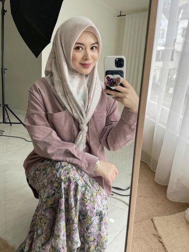 Gaya hijab Ayana Jihye Moon.