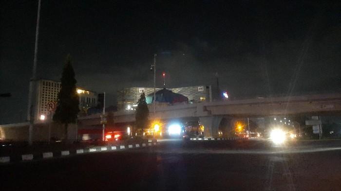 Kondisi lampu jalan utama Kota Pekanbaru yang padam