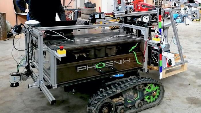robot phoenix, pemangkas pohon otomatis di Jerman