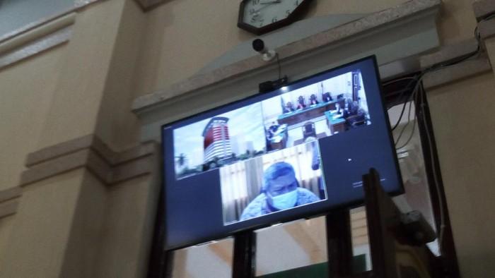 Sidang dakwaan Bupati Labura nonaktif di PN Medan (Datuk Haris-detikcom)