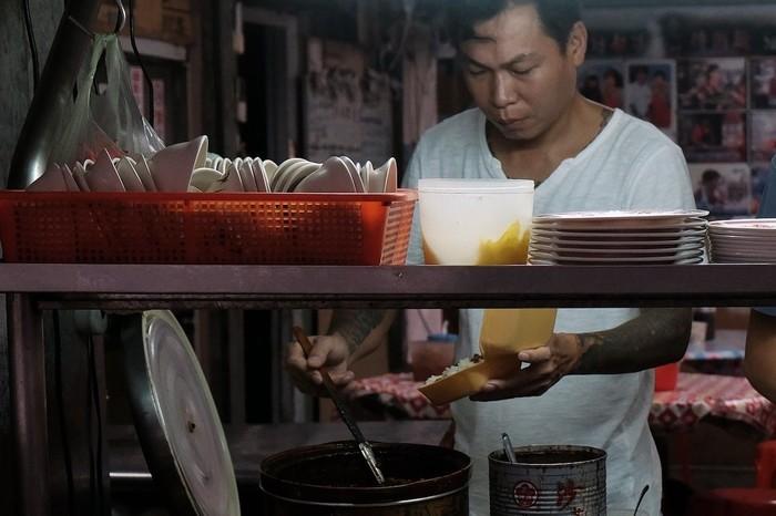 5 Mantan Preman  Ini Sekarang Sukses Jualan Makanan