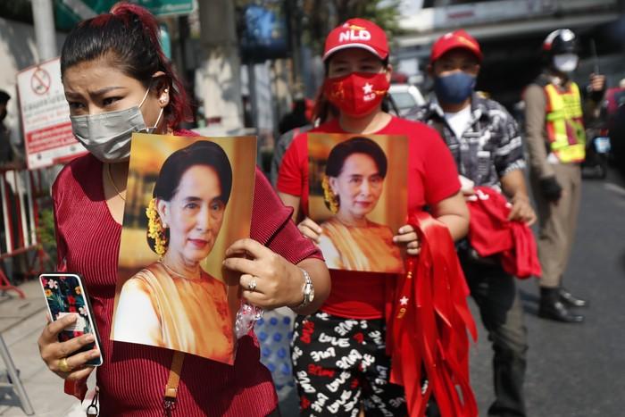 Militer Myanmar melakukan kudeta dan menahan Aung San Suu Kyi. Aksi ini medapat protes di sejumlah negara.