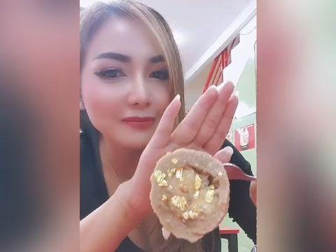 Bakso Ini Diisi Lembaran Emas 24 Karat