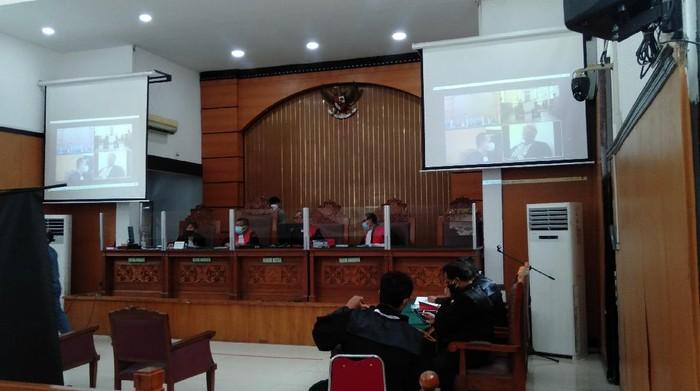 Gus Nur hadir virtual dalam sidang