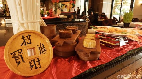 Untuk harganya, cukup dengan Rp 408 ribu untuk dewasa dan Rp 258 ribu untuk anak di bawah 12 tahun. Traveler sudah dapat menikmati sajian all-you-can-eat fully served terbaik dari Executive Chinese Chef Shifu Chan Wah dan tim Culinary dari The Restaurant. (Siti Fatimah/detikTravel)