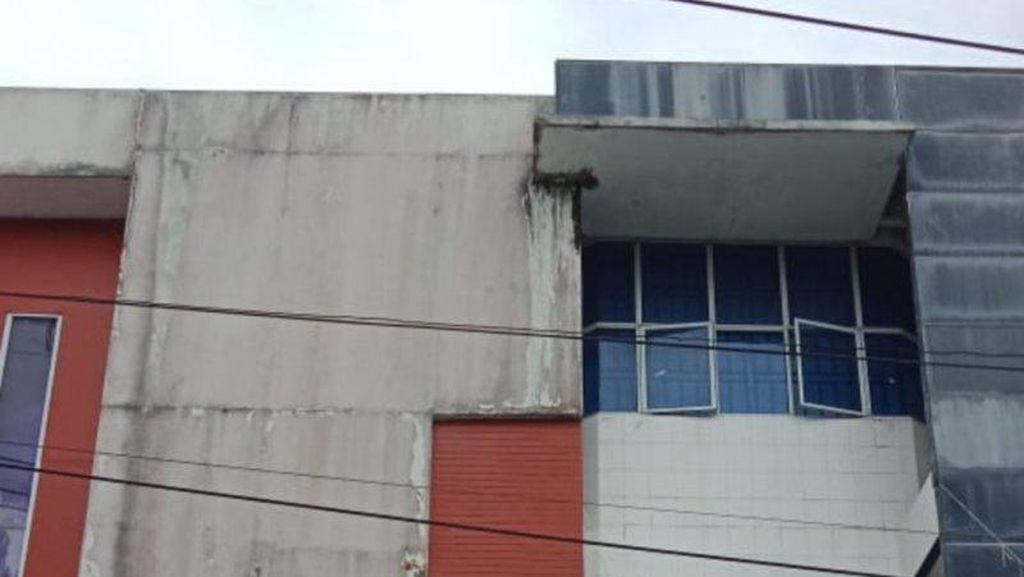 Kantor BUMD Tanjungpinang Dibobol Maling: Pintu Dirusak-Dokumen Berserakan
