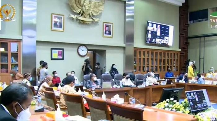 Rapat Komisi IX DPR bersama Menkes Budi Gunadi Sadikin, di kompleks parlemen, Jakarta, Selasa (2/2/2021).