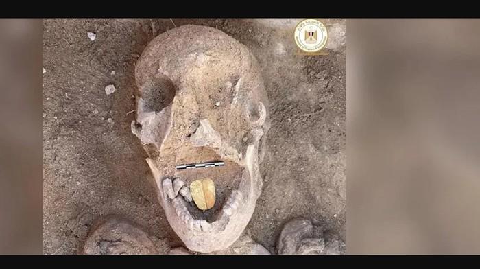 Lidah emas mumi Mesir