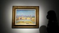 Mantap! Lukisan Masjid Maroko yang Dijual Angelina Jolie Terjual Rp 164 M