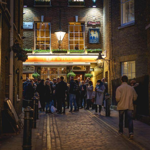 Pub 'Lamb and Flag' Berusia 455 Tahun Tutup untuk Selamanya karena Covid-19