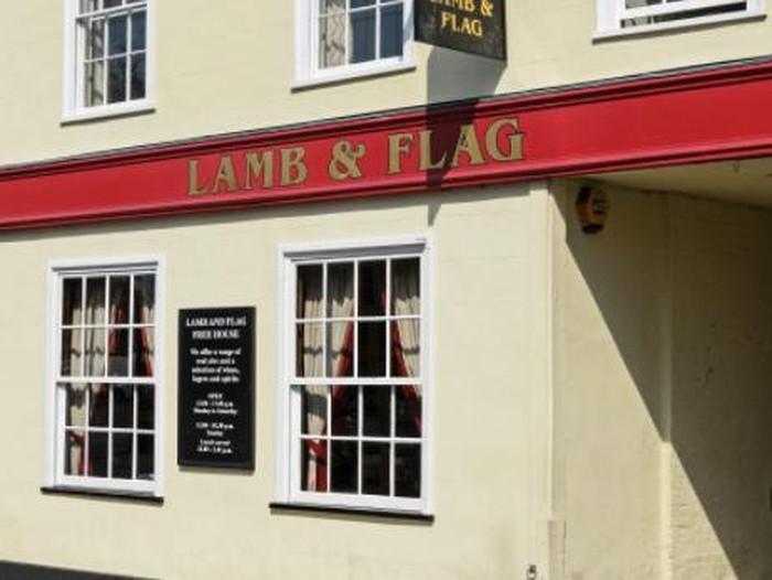 Pub Lamb and Flag Berusia 455 Tahun Tutup untuk Selamanya karena Covid-19