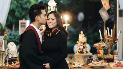 6 Pasangan Artis Indonesia Couple Goals yang Tiba-tiba Cerai, Bikin Kaget