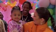 Foto: Pesta Ultah Ke-3 Putri Kylie Jenner, Tetap Meriah di Tengah Pandemi
