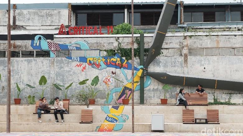 Unik! Bisa Olahraga dan Lihat Pesawat di Kafe Bandung Ini