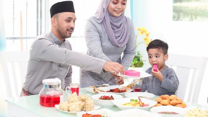 5 Aturan Makan Sehat Mengikuti Anjuran Al-Quran