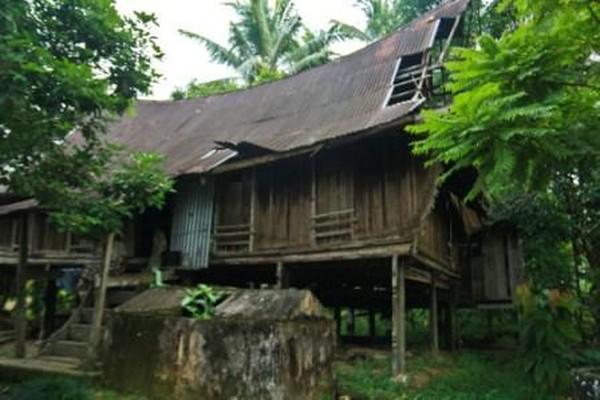 Rumah Lontiok yang Masih Dihuni
