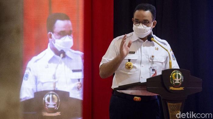 Hari ini Kapolda Metro Jaya hingga Gubernur DKI Jakarta meluncurkan gerakan Jakarta Bermasker. Hal itu dilakukan untuk menekan penyebaran COVID-19.