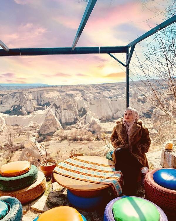 Rachel juga pernah liburan ke Kota Kapadokya/Goreme di Turki. (Instagram/Rachel Vennya)