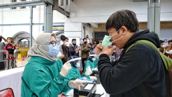 Menhub dan Menristek cek kesiapan GeNose di Stasiun Pasar Senen (Foto: dok Kemenhub)