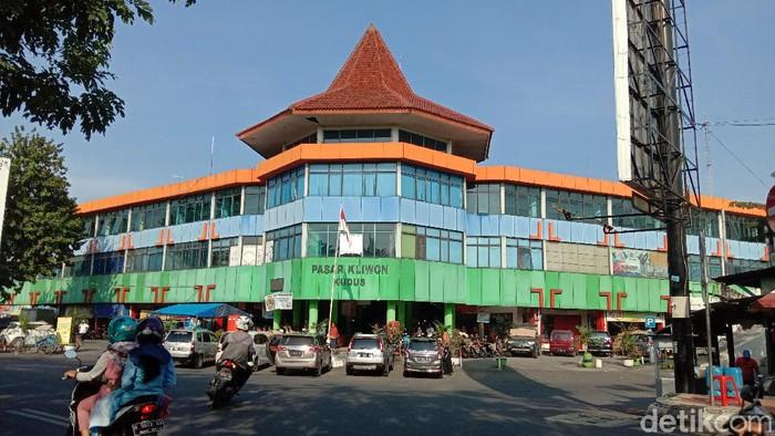 Pasar Kliwon Kudus, Rabu (3/2/2021).