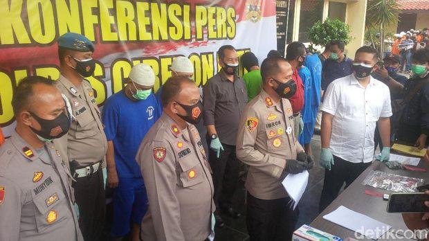 Pencuri Modus Pecah Kaca Mobil di Cirebon
