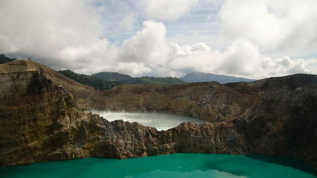 Savana Bekol, Kampung Warna-warni Malang, dan Danau Kelimutu