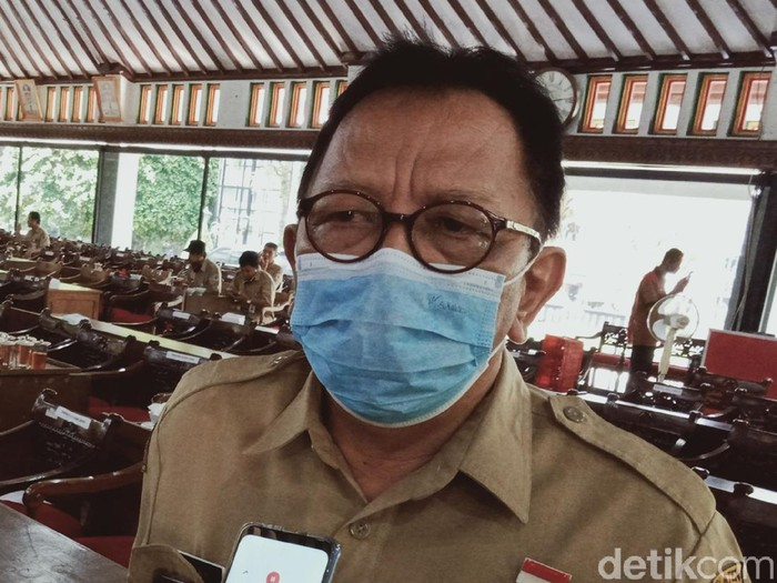 Tim Ahli Satgas Percepatan Pengendalian COVID-19 Kabupaten Klaten dr Roni Reokmito