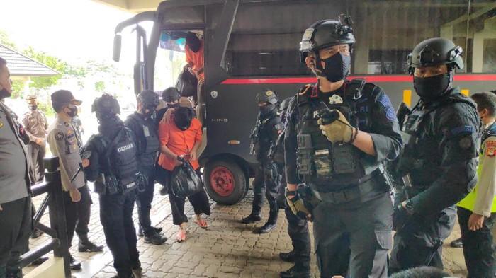 19 Tersangka teroris diterbangkan dari Makassar ke Jakarta