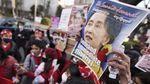 Foto Populer Pekan Ini: Kudeta Myanmar-Teroris Makassar Ditahan