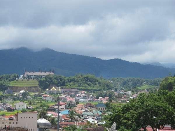 img_2012062810Kota Bukittinggi dari ketinggian (Afif/detikTravel)4954_4febd462066f4.jpg