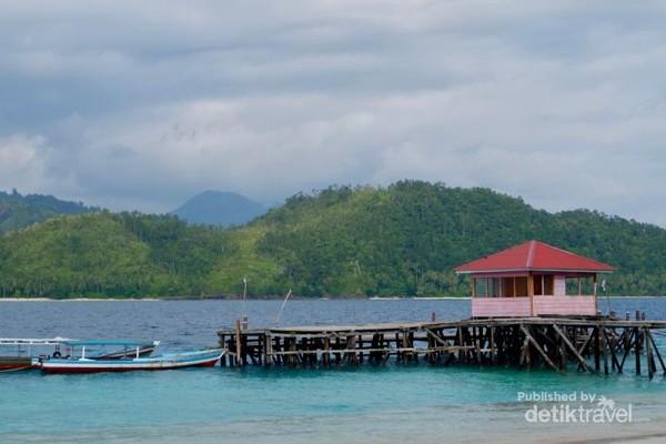 Dermaga Pulau Sirandah.