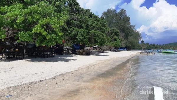 Pemandangan mewah Gili Sudak Sekotong Lombok Tengah