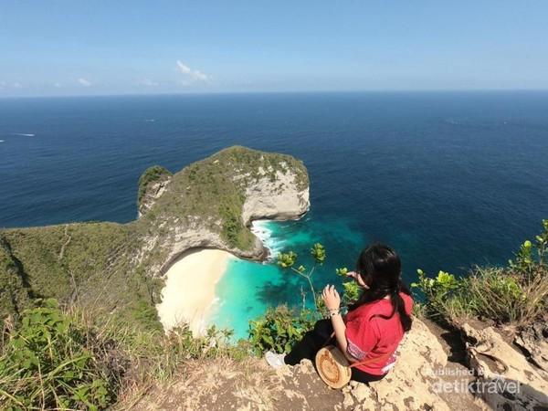 Amazing of Kelingking Beach T-Rex Nusa Penida