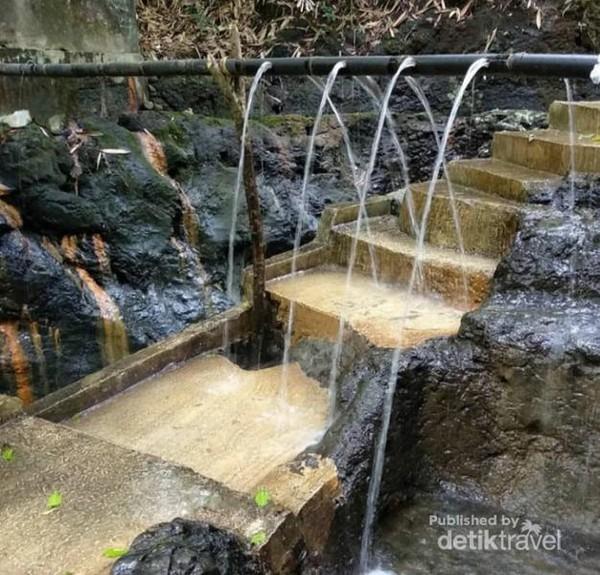 Sumber air panas alami