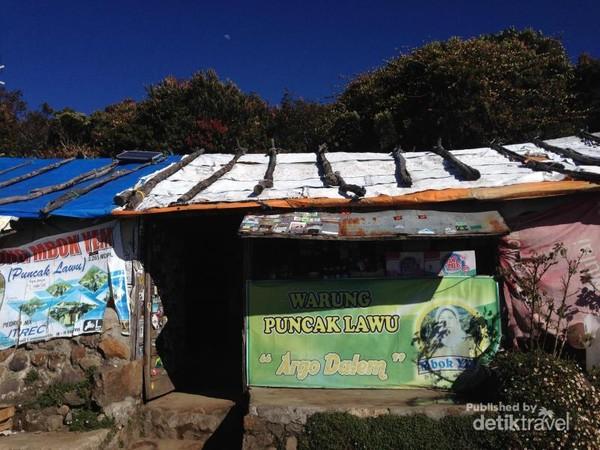 Warung tertinggi di Puncak Lawu, Warung Mbok Yem.